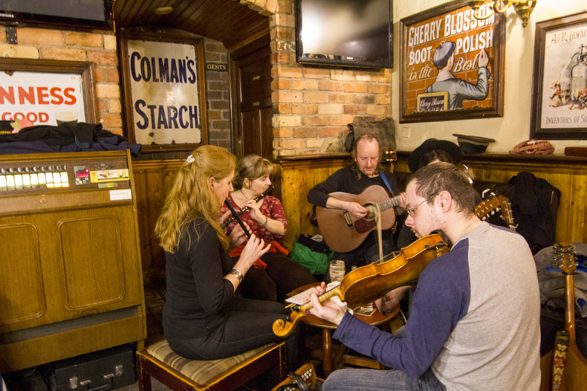 Live Traditional Irish Music Band at Nancy Hands Bar and Restaurant Dublin Ireland